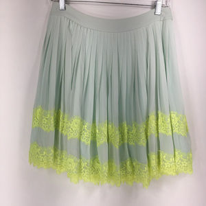 Ted Baker London 1 (sz 0-2 XS) Pleated Skirt Lace